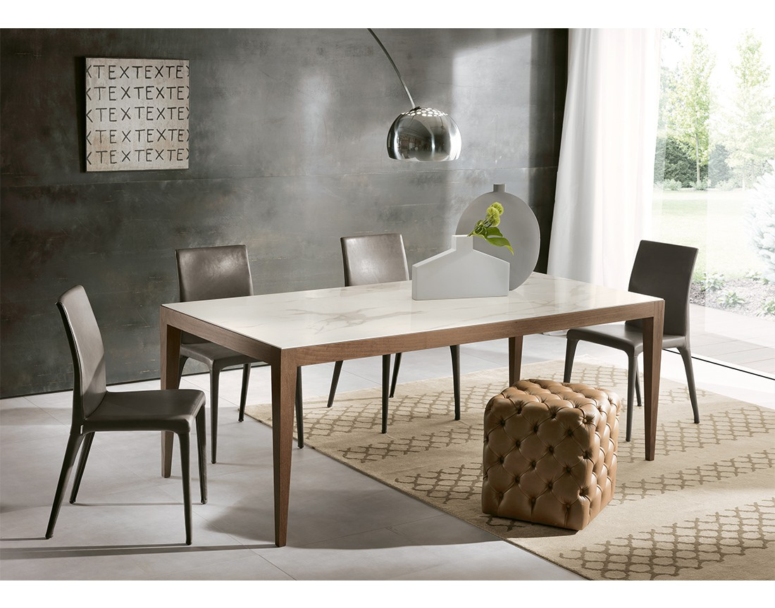 Dominique: tavolo da pranzo rettangolare piano Laminam   Dominique: rectangular dining table with Laminam top