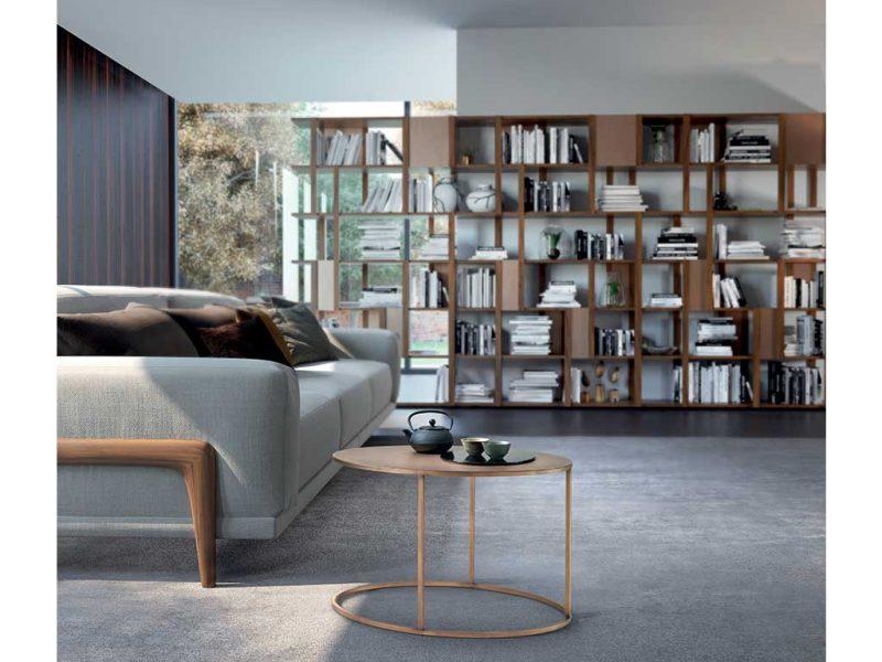 Fly-tavolino-di-servizio-con-struttura-e-piano-in-metallo-in-ambiente | Fly-service-table-with-structure-and-metal-top-in-room