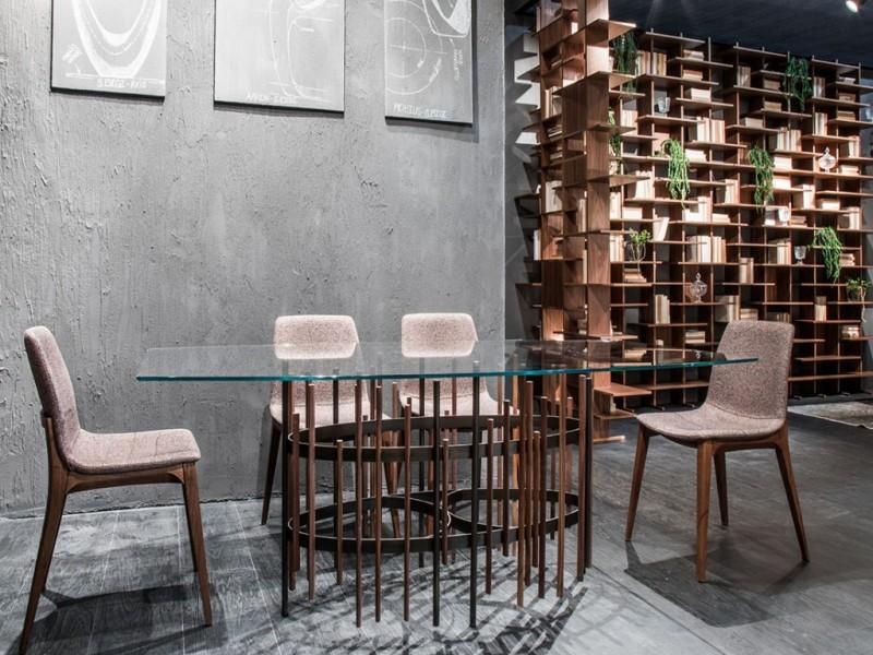 Tube - tavolo di design con struttura in metallo