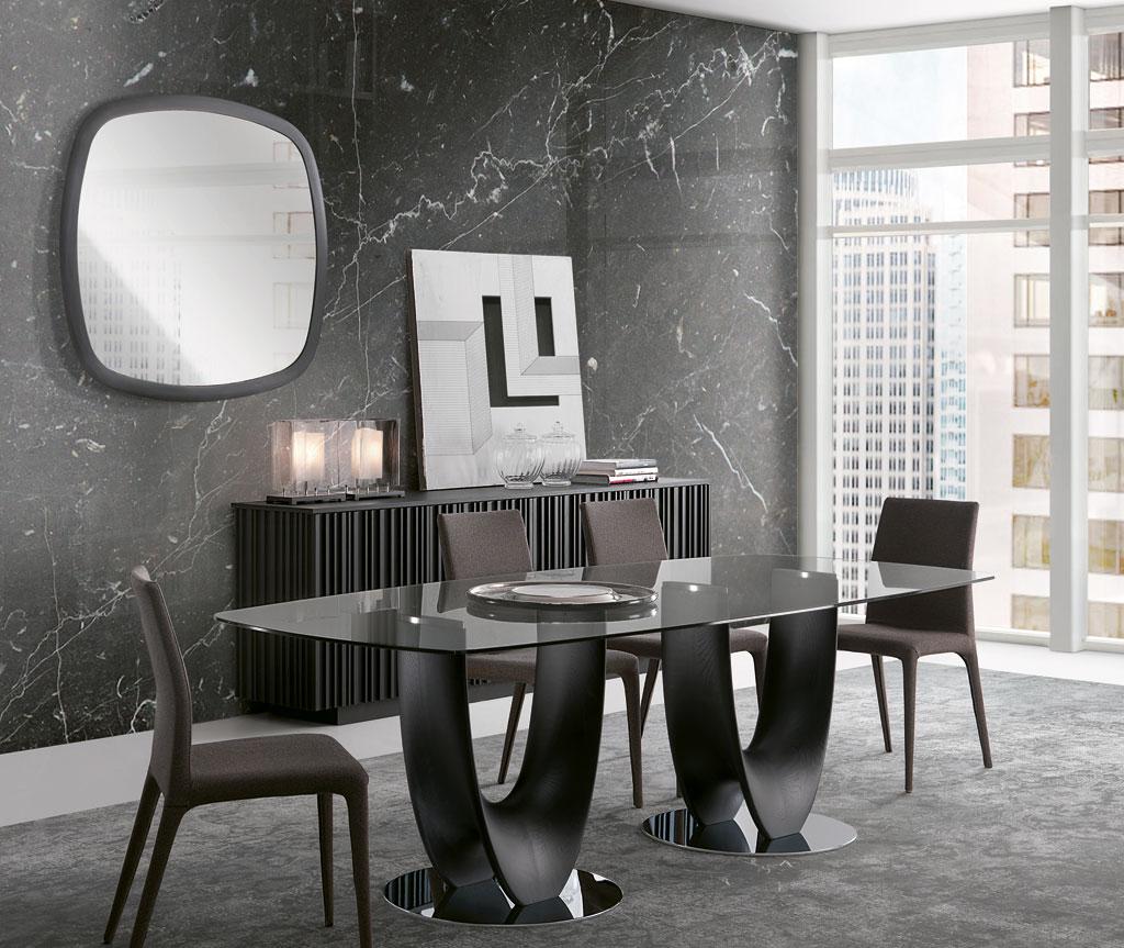 Axis: Tavolo da pranzo tinto nero piano vetro. Design Stefano Bigi | Axis: Black stained dining table with glass top. Design Stefano Bigi