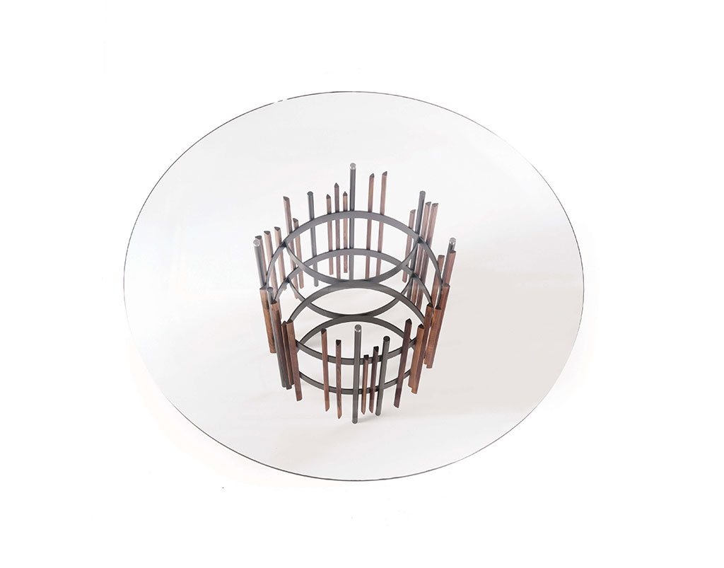 TUBE - Tavolo rotondo in metallo