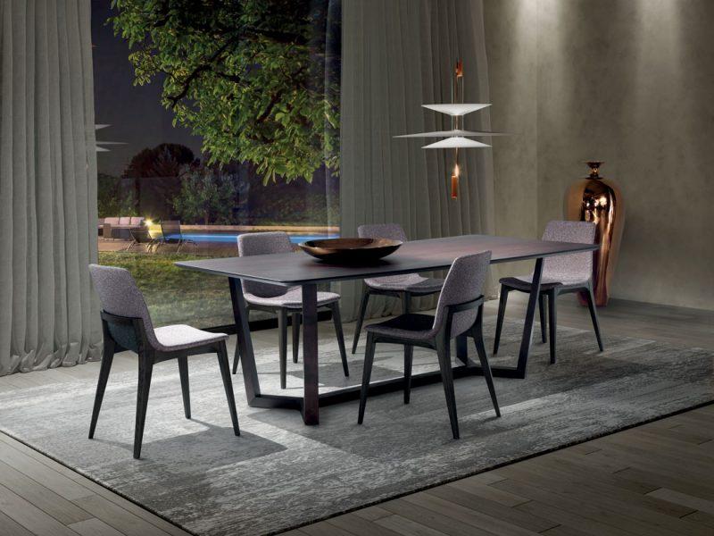 Aliante: tavolo da pranzo con piano in marmo, legno o vetro / Aliante: dining table with marble, wood or glass top