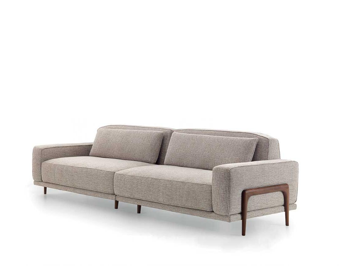 Costanza: divano modulare con struttura in legno e metallo e imbottitura in poliuretano espanso   Costanza: modular sofa with wooden and metal frame and polyurethane foam padding