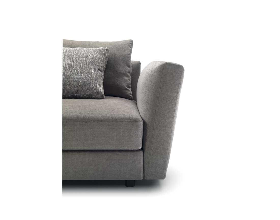 Ester: particolare divano imbottito | Ester: particular upholstered sofa