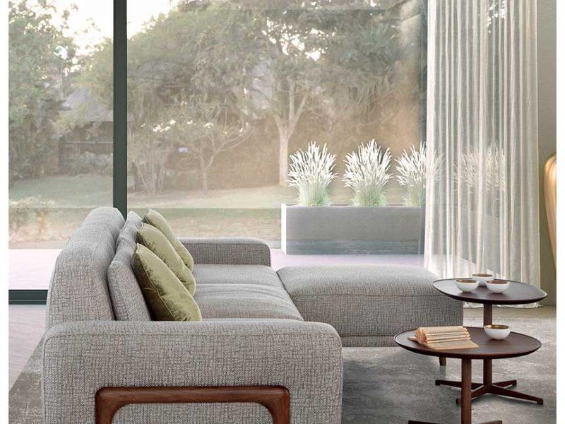 Costanza: divano modulare dettaglio bracciolo in legno | Costanza: modular sofa with wooden armrest detail