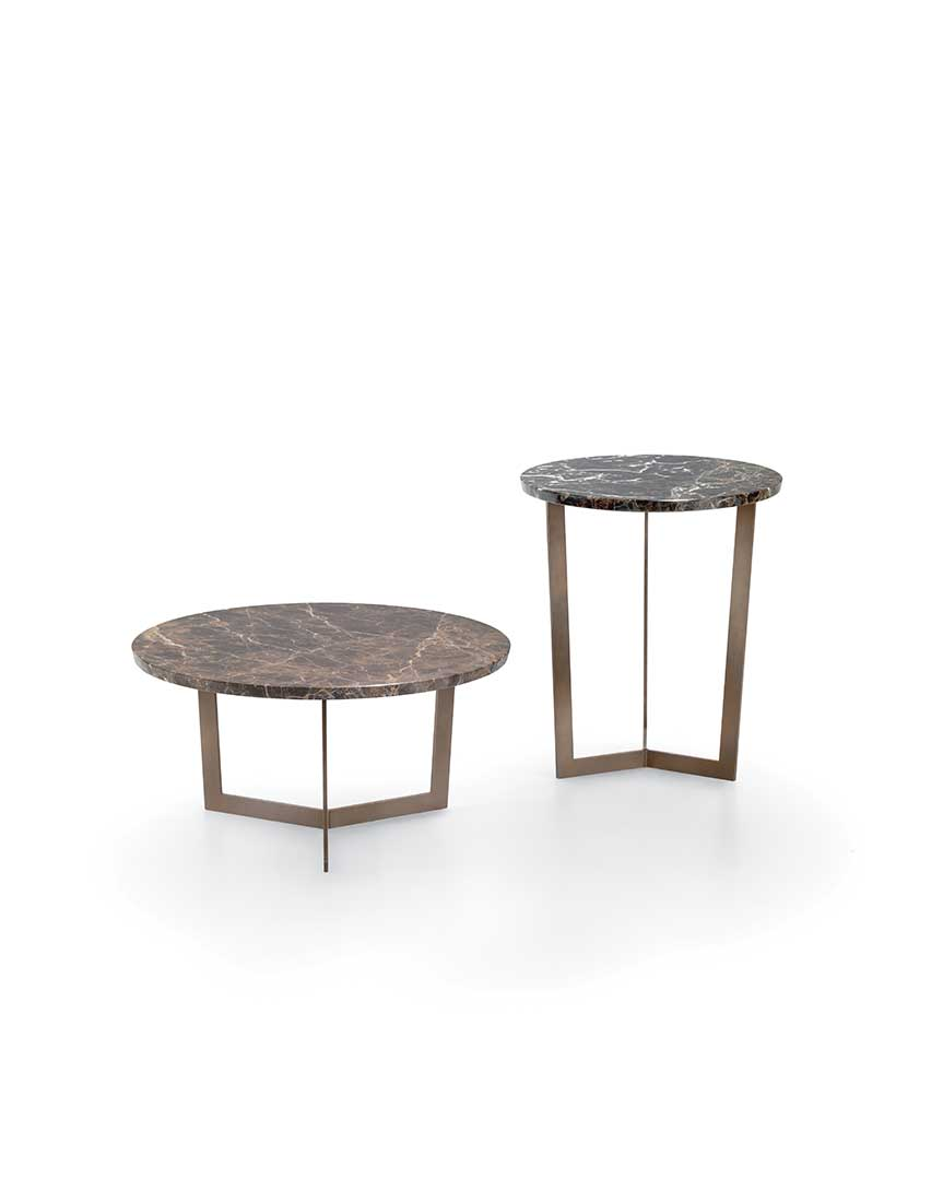 Paris-tavolini-rotondi-con-struttura-in-metallo-verniciato-e-piano-in-marmo-lucido-naturale   Paris-round-tables-with-structure-in-painted-metal-and-top-in-natural-glossy-marble