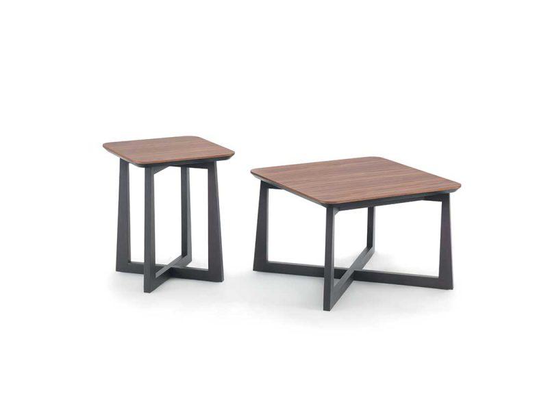 Suol-tavolini-quadrati-con-struttura-in-frassino-laccato-e-piano-in-frassino | Suol-square-tables-with-structure-in-lacquered-ash-and-top-in-ash
