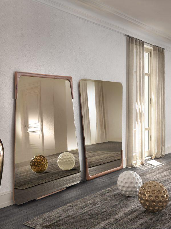 Destiny specchio cornice noce canaletto | Destiny mirror with canaletto walnut frame