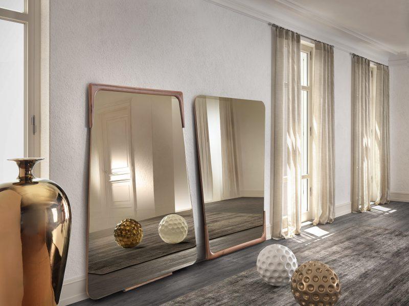 Destiny specchio cornice noce canaletto   Destiny mirror with canaletto walnut frame